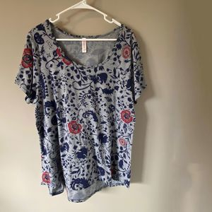 LuLaRoe Grey with blue & red flowers T-shirt